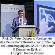 Prof. Dr. Peter Dabrock, Vorsitzender des Deutschen Ethikrates, zur Eröffnung der Jahrestagung am 22.06.16 in Berlin, (c) Deutscher Ethikrat, Fotograf: Reiner Zensen
